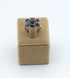 ring  white gold 14 carat ( 585)  with onyx stone  17 x 17 mm  resizable after purchase