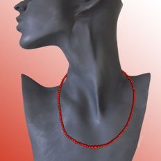 Magnificent Mediterranean Sea coral necklace, 1 strand, ordered by size approx. 43 cm