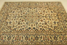 Fine Persian carpet Kashan 3.00 x 2.00 cream hand-knotted, high quality, new wool oriental carpet, GREAT CONDITION