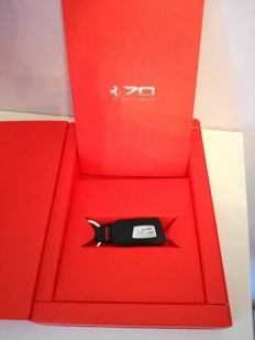 Exclusive Ferrari leather keyring 70th anniversary + colour book 70 years