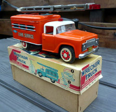 """STF, China - Length 23 cm - Tin """"Wrecker Truck"""" MF781 with friction motor, 1970s"""
