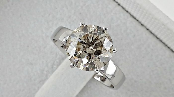 3.52 ct  round diamond ring made of 14 kt white gold - size 7.5