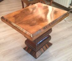 Coffee table veneered with walnut and rosewood - Art Deco period