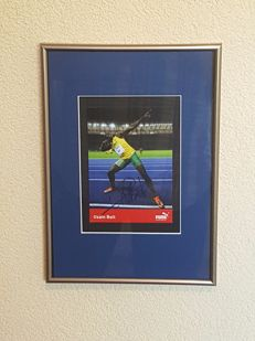 Usain Bolt - Olympic Legende 100 en 200 m - fantastic old hand signed official card + COA.