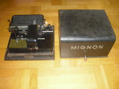 AEG Mignon index typewriter in a metal case - Germany 1920/30