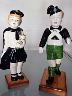 Couple of young Balilla made of porcelain - Z Nove 30 cm