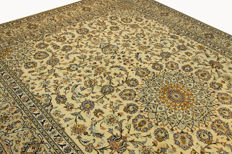 Fine Persian carpet – Kashan – 4.12 x 2.96 – cream hand-knotted high-quality new wool oriental carpet GREAT CONDITION no. 96