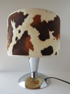 Vintage retro table lamp in chrome with cow print shade