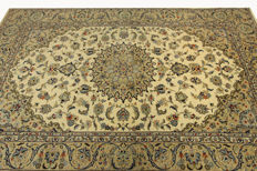 Fine Persian carpet, Kashan, 3.15 x 2.00 cream hand-knotted high-quality new wool oriental carpet TOP CONDITION, no. 102