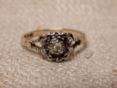 14k antique rose ring with 5 small diamonds, year 1932 No Reserve**