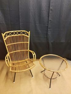 Producer unknown - rattan armchair with table