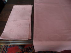 Large rose damask tablecloth with lily pattern + eight matching napkins.