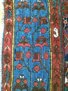 Collector and museum handknotted Hamadan carpet in very good condition!!