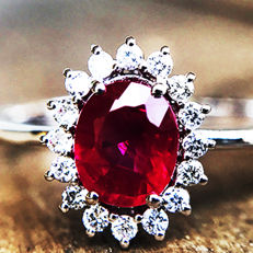 1.20ct Ruby and Diamond Ring made of 18 kt white gold - NO RESERVE -