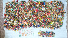 Very large collection key chains-about 1700 copies