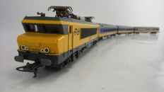 "Lima Collection H0 - 149748 - Electric locomotive Series 1600 and 3 passenger coaches ""Intercity Plan-W"" in set of the NS"