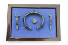 Ancient Roman bronze bracelet and 2 fibulae (in frame for exposure) (3)