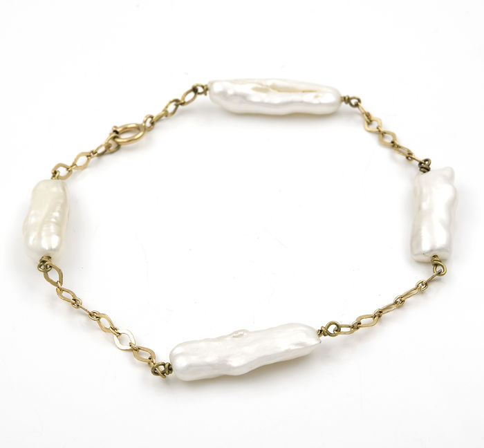 Yellow gold 18 kt (.750) - Bracelet - Irregular pearls - Length: 19.5 cm