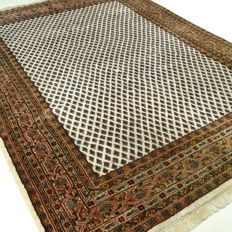 Mir – 241 x 168 cm – modern, oriental carpet with natural colours – in wonderful condition.