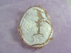 Solid silver pendant with cameo from Torre del Greco, Italy