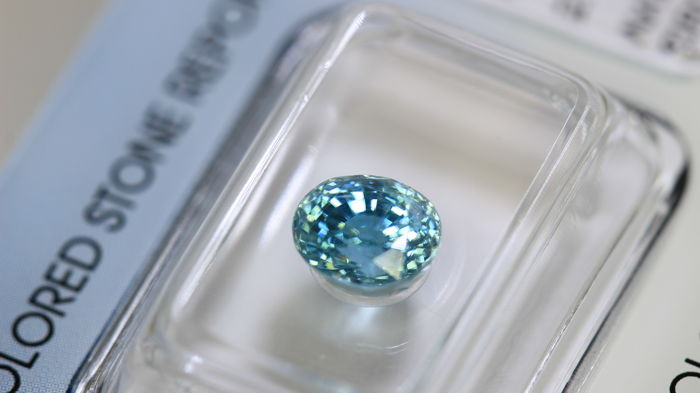 Blue Zircon - 2.49 ct