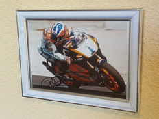 Mick Doohan - 5-time world champion 500 CC - hand-autographed framed photo + COA