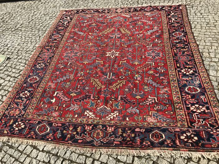 Old and Unique Heriz Rug 271x220cm -hand knotted