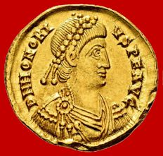 Roman Empire - Honorius (393-423 A.D.) gold solidus (4,39 g. 21 mm.) minted in Ravena between 402-405 A.D. VICTORIA AVGGG. R / V. COMOB.