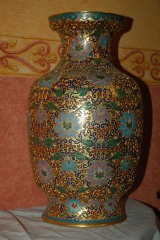 Polychrome, very finely decorated Champleve / enamel vase – China – 2nd half 20th century