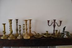 Lot with 14 candle holders.