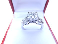 18 kt white gold ring set with 87 brilliant cut diamonds, total 0.83 kt, size 17.5