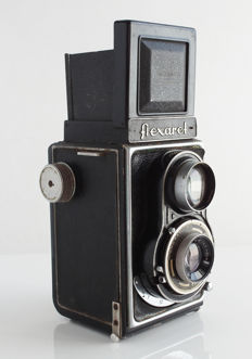Flexaret II, TLR 6x6 camera in nice condition with leather bag from Czech Republic