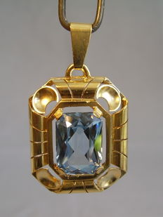 Pendant with octagonal facetted blue spinel approx. 16 ct.