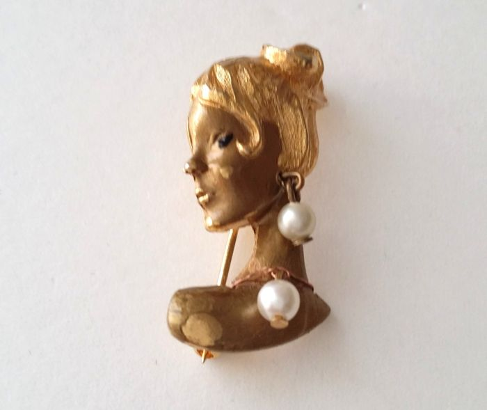 Lady Face Gold Tone Brooch
