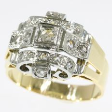 Unisex retro ring with diamonds - anno 1945