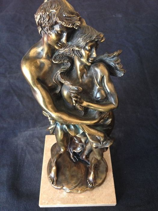 Vintage pair of lovers, in bronze on marble