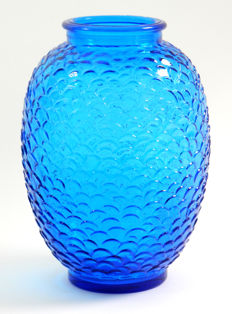 Blue vase (height 27 cm.)