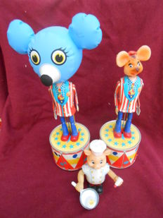Kanto Toys/Dott G.R., Japan - Height 13-29 cm - Lot of 3 tin toys with battery, 1950s