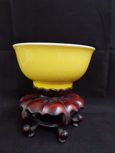 Monochrome bowl – China – late 20th century