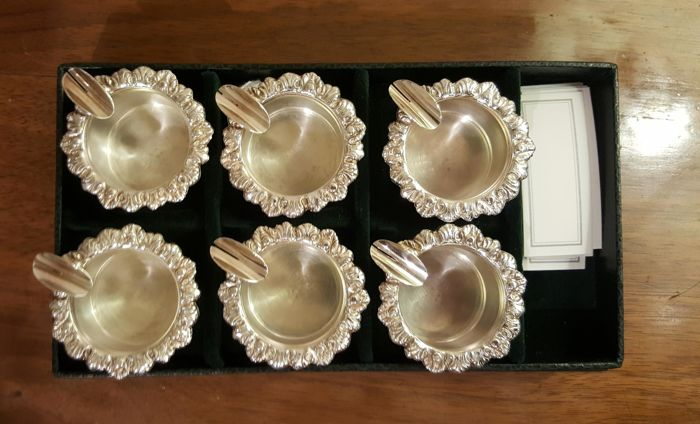 Set of 6 placeholders/ashtrays
