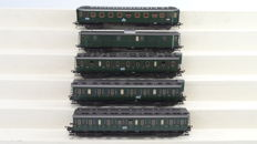 Fleischmann H0 - Amongst others  -./5083/5084/5085/ 5086/5087 - Five passenger carriages and One baggage carriage of the DRG