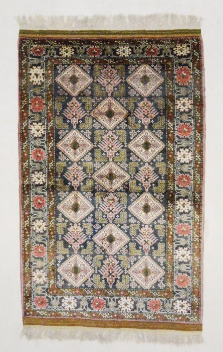 Exclusive silk Pakistani rug, 200 cm x 120 cm