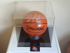Dennis Rodman - hand signed oficial NBA Spalding Basketball in Display Case Vitrine + COA Leaf