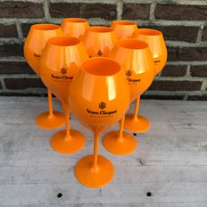 Veuve Clicquot champagne set of 8 acrylic glasses
