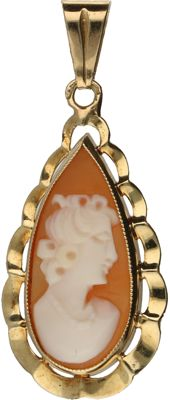 14 karat yellow gold pendant, set with a cameo – Length 2.8 cm