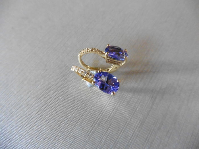 18k Gold Tanzanite and Diamond Drop Earrings