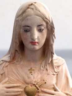 Tall sculpture of Mary - limestone - Belgian - 1st half 20th century.