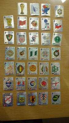 Panini - World Cup 1998 France - Complete set of badges + Iran Sheet.