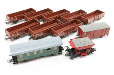 Roco H0 - 48036 / 54335 / 56232 / 56250 - 10 freight cars and 1 carriage of the CSD