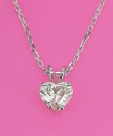 Pendant with heart-shaped diamond of 0.73 ct with IGI certificate